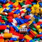Cine a inventat lego