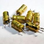 Cine a inventat condensatorul