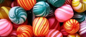 Cine a inventat bomboanele